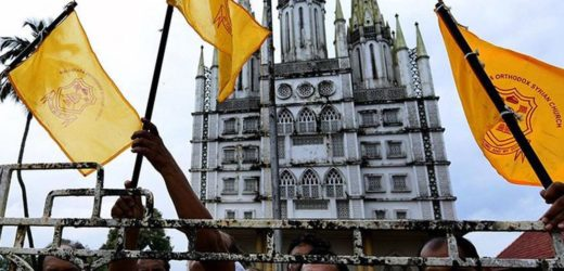 Protesters created tense situation at Piravom Church.