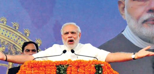 Narendra Modi addressed huge public at Thrissur in Kerala.