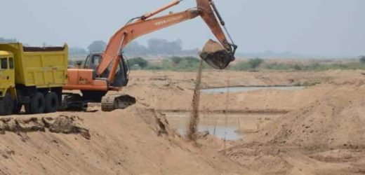 Thottappally Residents oppose sand-mining.